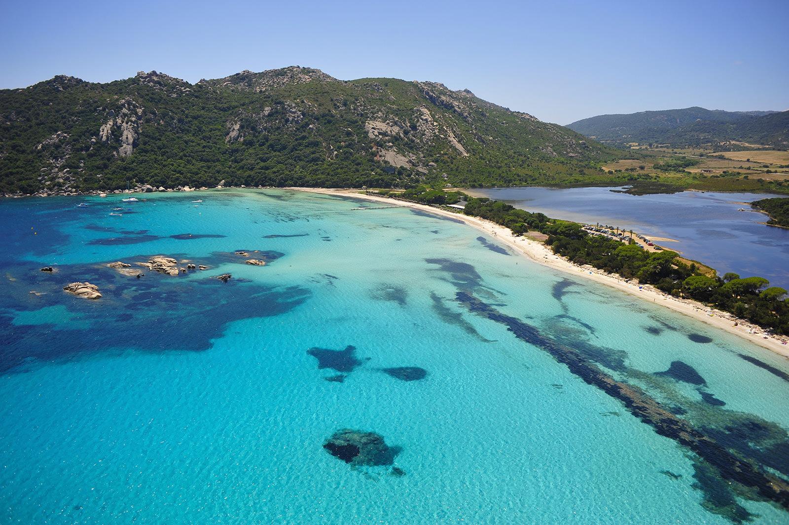 Plage de Santa Giulia en Corse du Sud