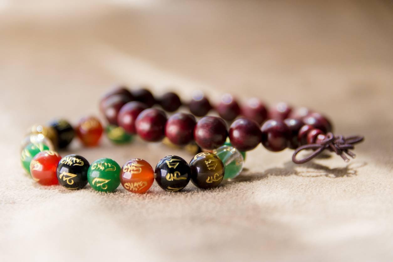 bracelet mala court